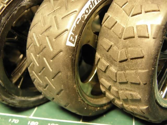 Collection de pneus RC - EncoreUneMod! P5070734