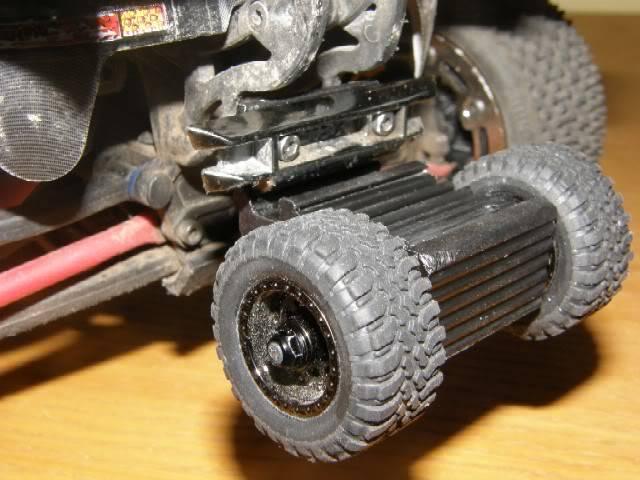 Collection de pneus RC - EncoreUneMod! WheelieBar_Closeup2