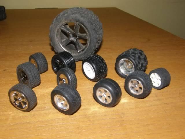 Collection de pneus RC - EncoreUneMod! WheelieBar_tireoption2