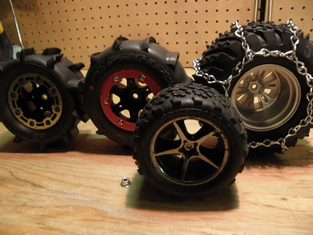 MadMax et Dragon; les minis E-Revo d'EncoreUneMod! Winter_tires