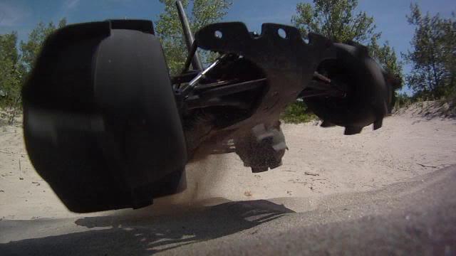 [NEW] Pare-choc/Bumper TBone/T-Bone Racing pour 1/16 E-Revo - Page 2 Beach2