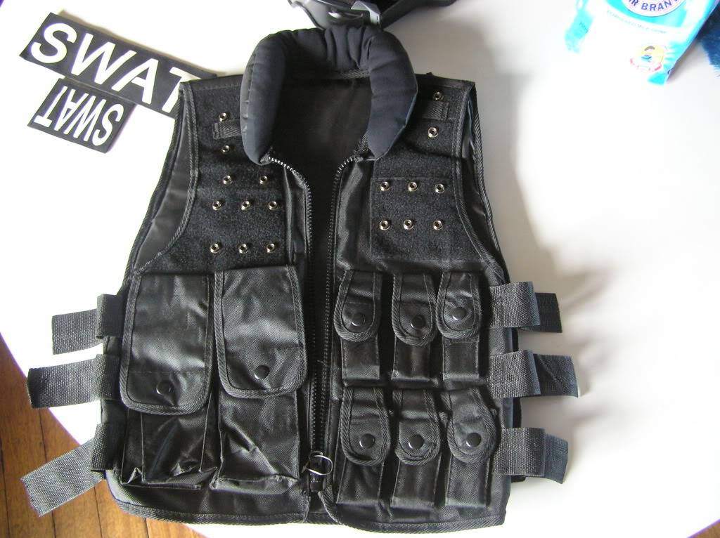 assorted airsoft parts with pics updated:march 25,2011 P1010071