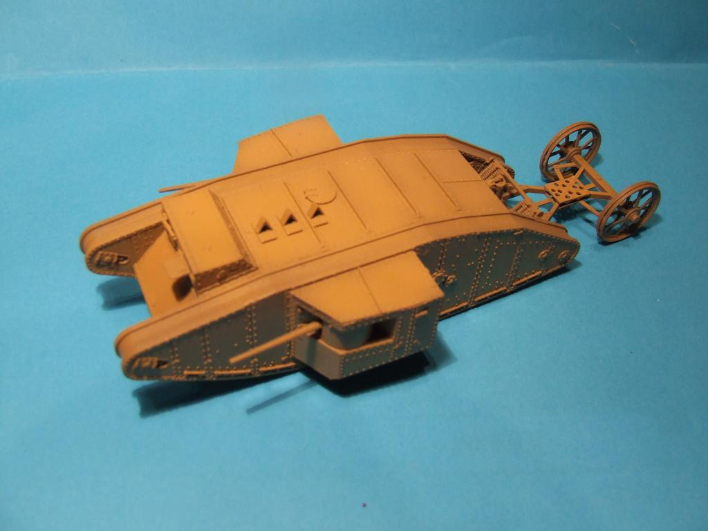"MK1 ""Male"" British Tank (1/72 Master Box LTD) DSCF9004"