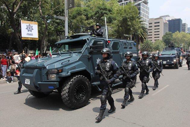 Nuevo Vehiculo Blindado de la PF Independencia-Desfile-7-jpg_225130
