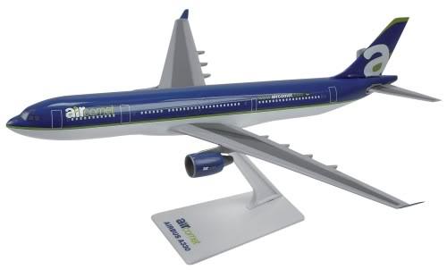 Vand machete avioane civile (multe raritati) A330AirComet