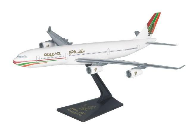 Vand machete avioane civile (multe raritati) A340GulfAir