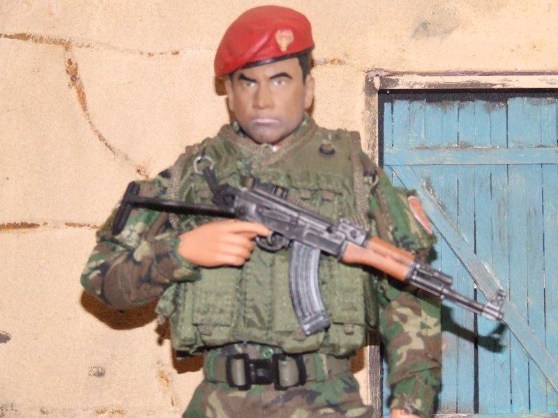 Bash --Kurdistan Zerevani Peshmerga Dscf3821_zps71d1fd87