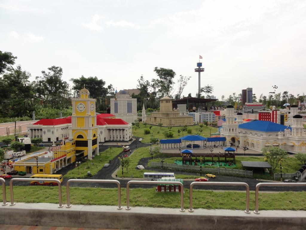 my trip to Legoland Malaysia NOV 2012 LLML15