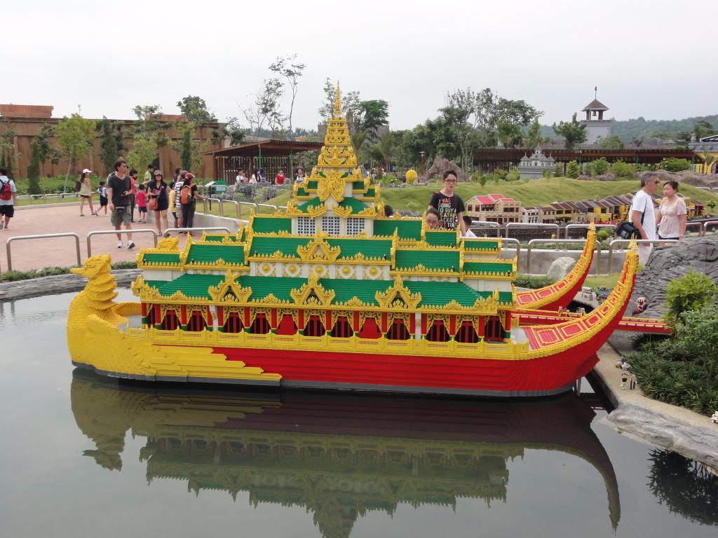 my trip to Legoland Malaysia NOV 2012 LLML29