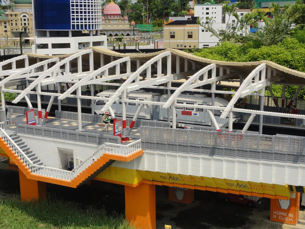 my trip to Legoland Malaysia NOV 2012 LLML5