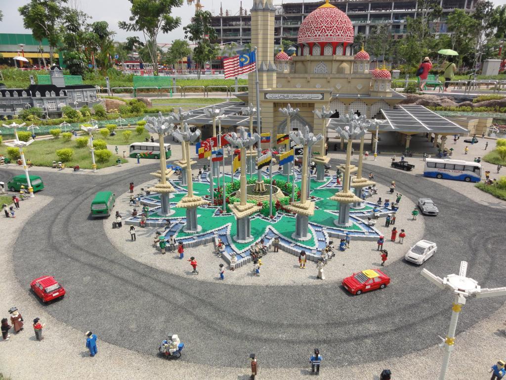 my trip to Legoland Malaysia NOV 2012 LLML8