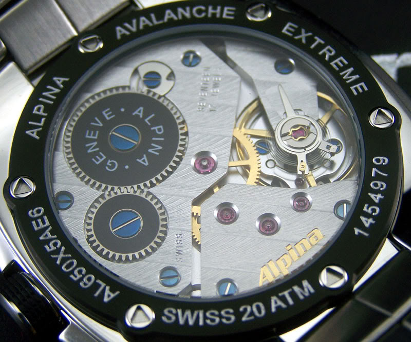 Un calibre brut de forge tourne aussi bien q'un mouvement décoré Alpina-09