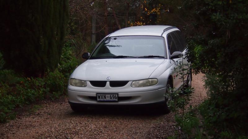 1998 holden commodore VT wagon  P1011304_zpsa543fbad
