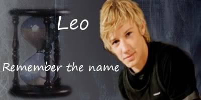 *raises hand* I make graphics! Leo