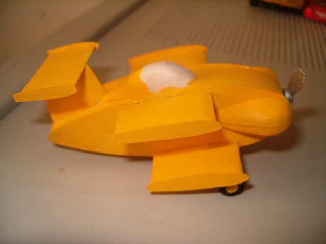 Presentandome y Bumble Bee II - TERMINADO - OCT. 03 2011 Bb2fuselage014