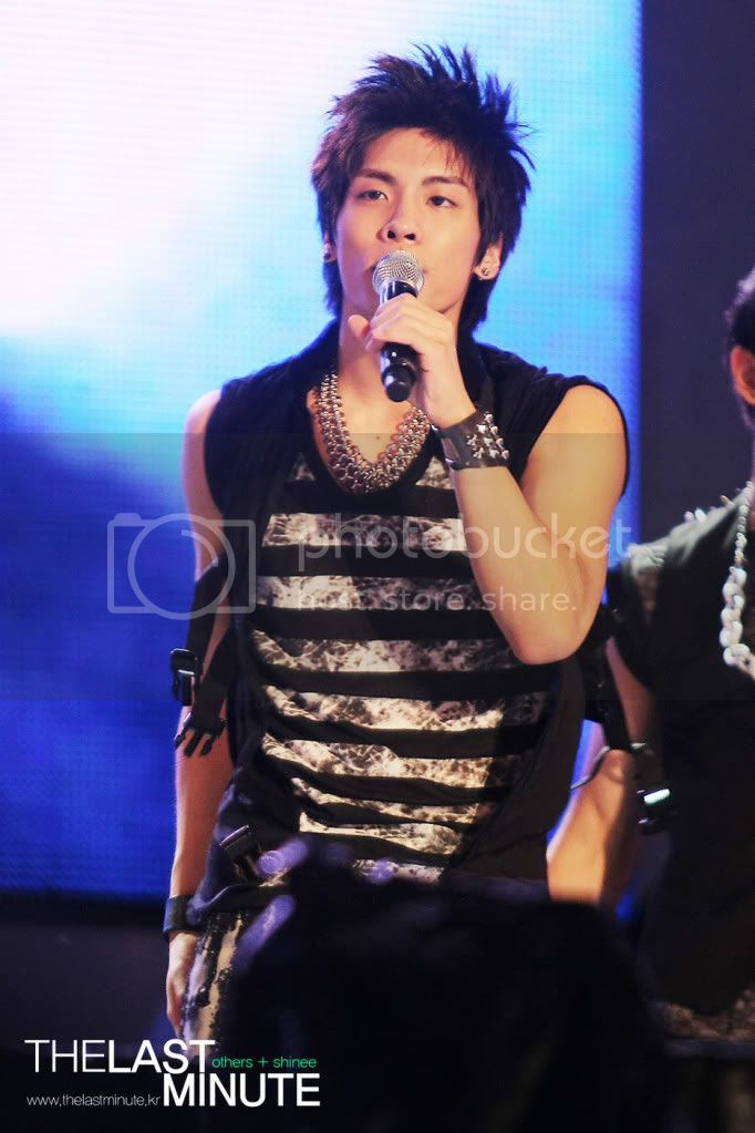 """[Perf] 28.8.2010 SHINee """"Let's Start Sharing Concert"""" 0800cloud00"""