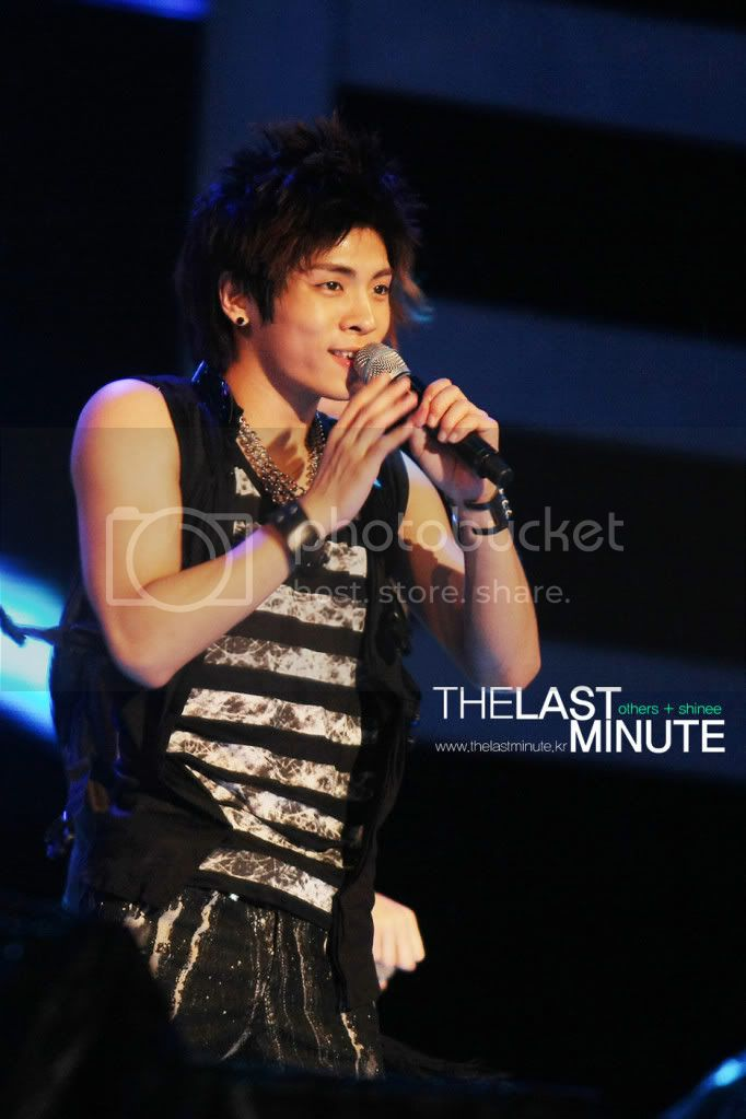 """[Perf] 28.8.2010 SHINee """"Let's Start Sharing Concert"""" 0900cloud00"""