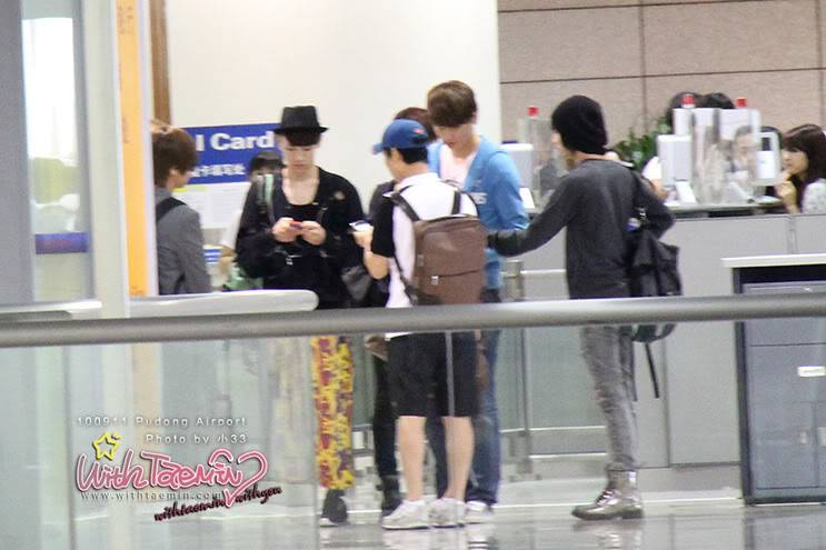 [Unofficial] 11.09.2010 SHINee in Pudong airport 11625432ohkr29