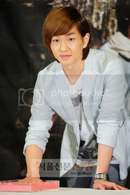 [Official] 5.8.2010 Onew ONE FINE DAY 14982945
