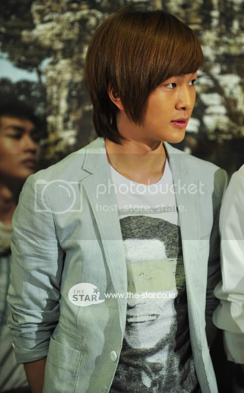 [Official] 5.8.2010 Onew ONE FINE DAY 20693258