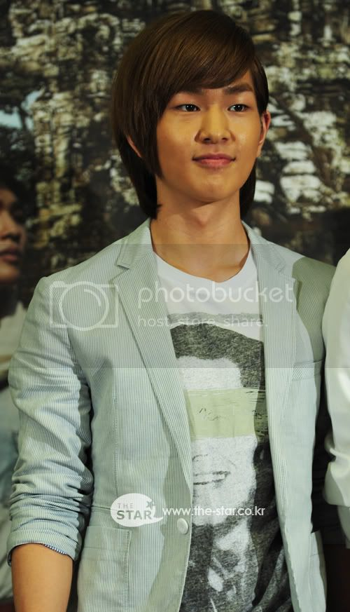 [Official] 5.8.2010 Onew ONE FINE DAY 25674839