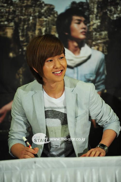 [Official] 5.8.2010 Onew ONE FINE DAY 43505956