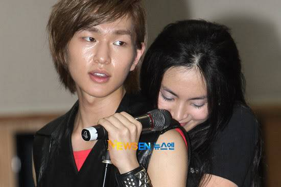 [Official] 10.08.2010 ONEW - ROCK OF AGES REHEARSAL A00519904c8a38777df64
