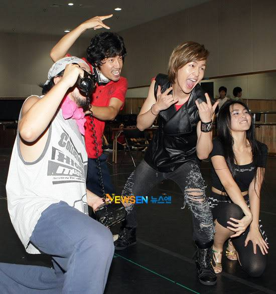 [Official] 10.08.2010 ONEW - ROCK OF AGES REHEARSAL A00519904c8a4c6f2f91b