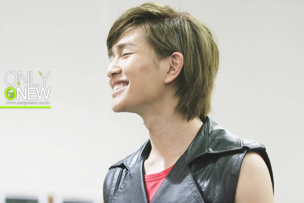 [Official] 10.08.2010 ONEW - ROCK OF AGES REHEARSAL D00680954c8cb438af497