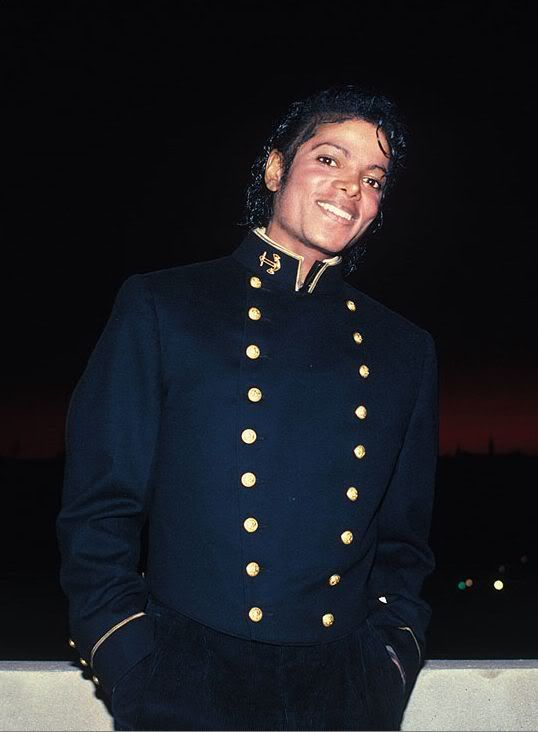 Your fav MJ Pictures ! Please post yours.. MJ001
