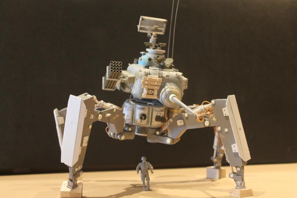 Soviet walker sci-fi IMG_2483_zps69629ad3