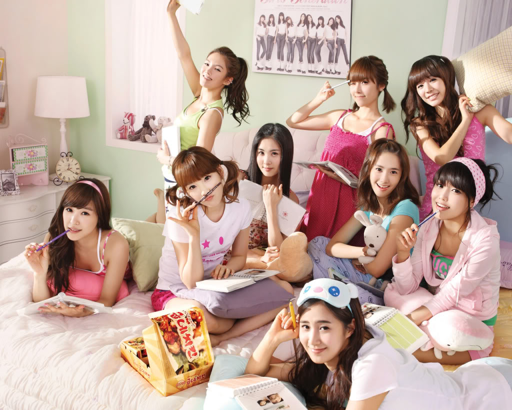 GIRLS' GENERATION- The power of 9! - Page 6 Snsd17