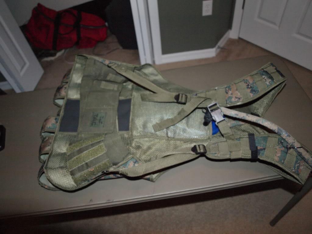 FS Valken Echo MarPat vest, 2 HPA tanks & a VForce Grill. P7213180