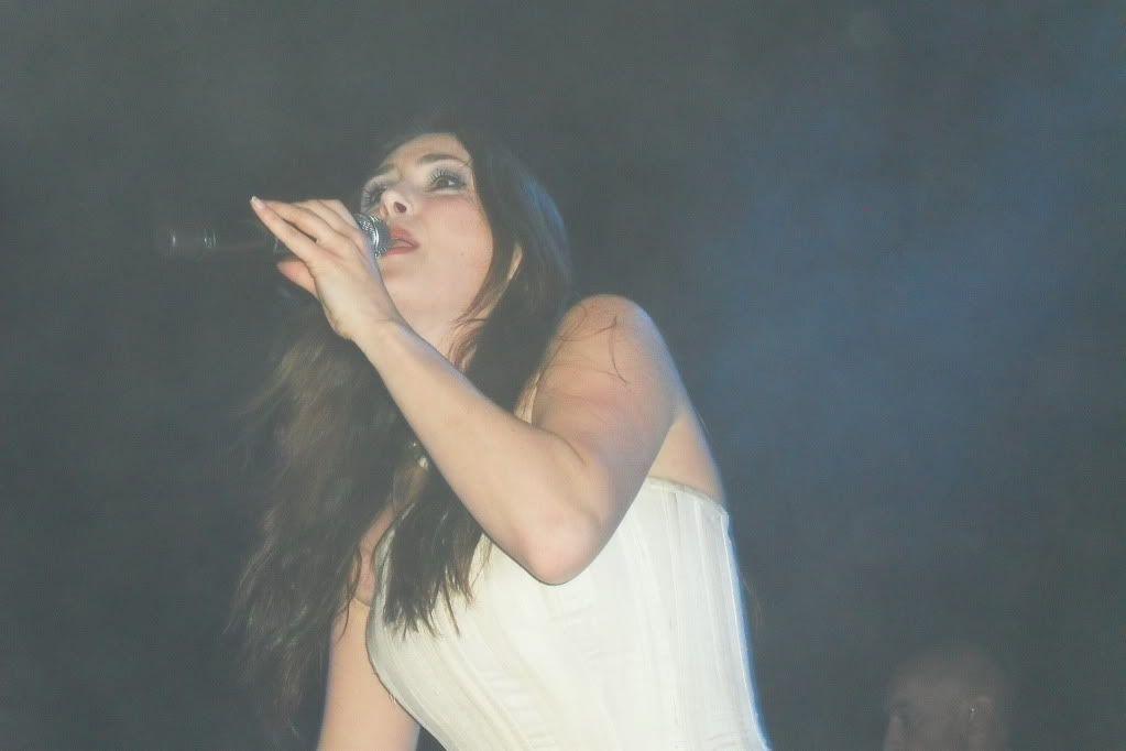 THEATRE TOUR 2010 -solo foto!!!! - Pagina 2 SDC11133