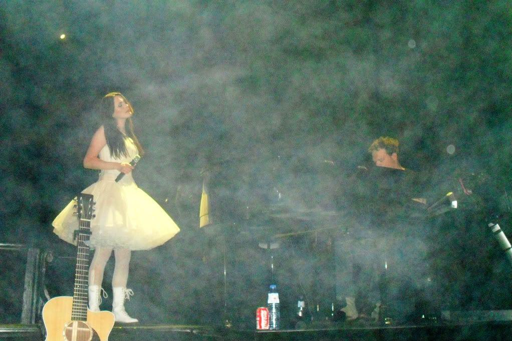 THEATRE TOUR 2010 -solo foto!!!! - Pagina 2 SDC11149