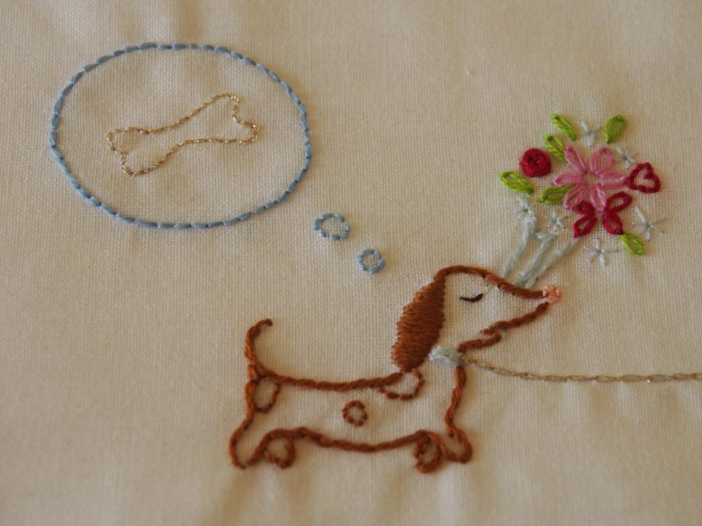 Un sac shopping pour ma maman... (broderie de Sylvie Blondeau) P1010089_zps9dd0bf8c