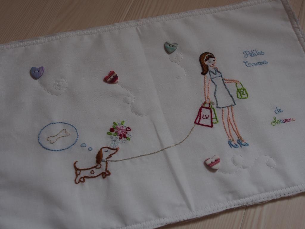 Un sac shopping pour ma maman... (broderie de Sylvie Blondeau) P1010167_zps88a82cb5