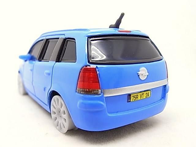 [Cars 2] Opel Zafira sans pneus - Page 2 R0015754