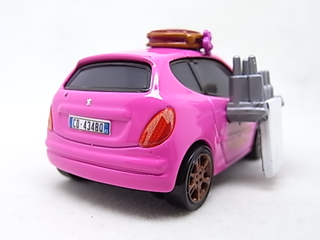 [Cars 2] Mary Esgocar R0017723