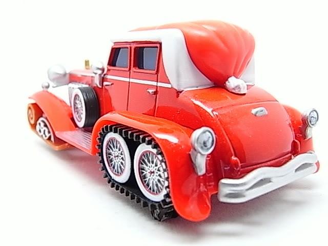 Santa Cars, Mater, Luigi, Guido, Fillmore guirlandes (Mater Saves Chistmas) RIMG8547