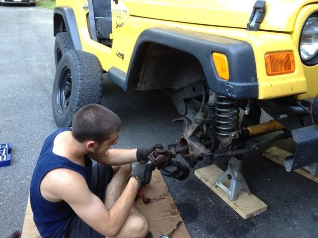 Andrew's Yellow Jeep Build. - Page 2 0cc27ff2