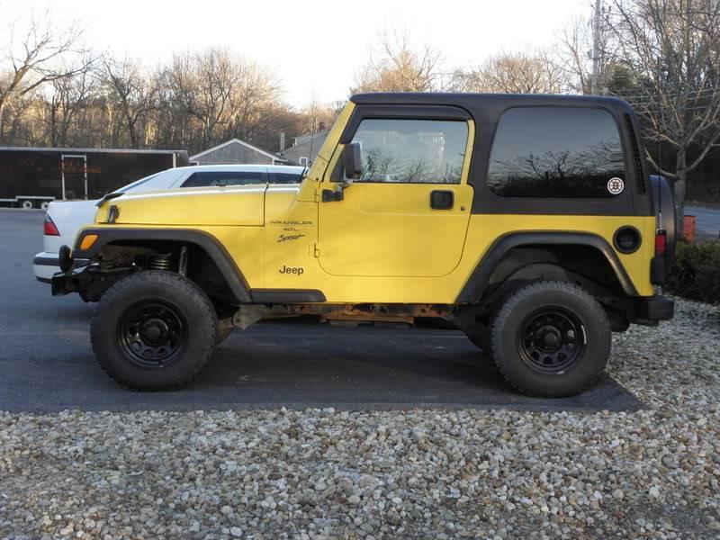 Andrew's Yellow Jeep Build. 120226-1656-31
