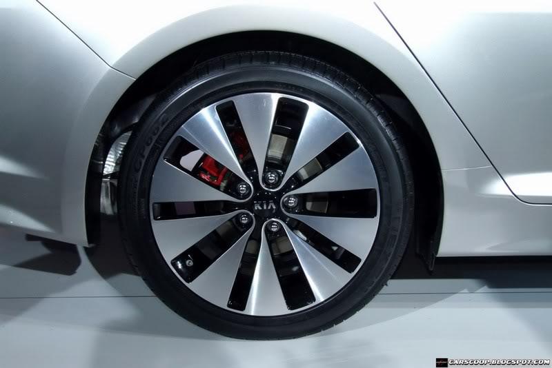 سيارة كيا أوبتيما  ولا أورع من هيك2011 Mini-2011-Kia-Optima-17