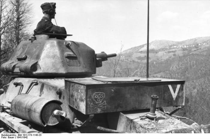 Guérilla et contre-guérilla dans les Balkans [Dossier photo] H39balkans1941-42