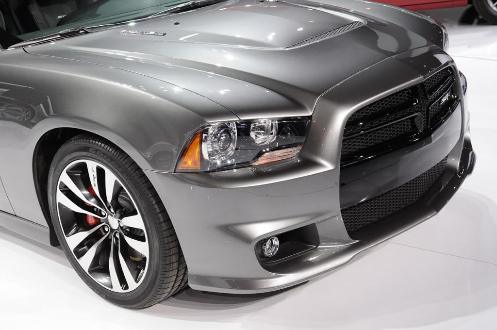 2012 CHARGER SRT 8 Charger-srt8vivo09