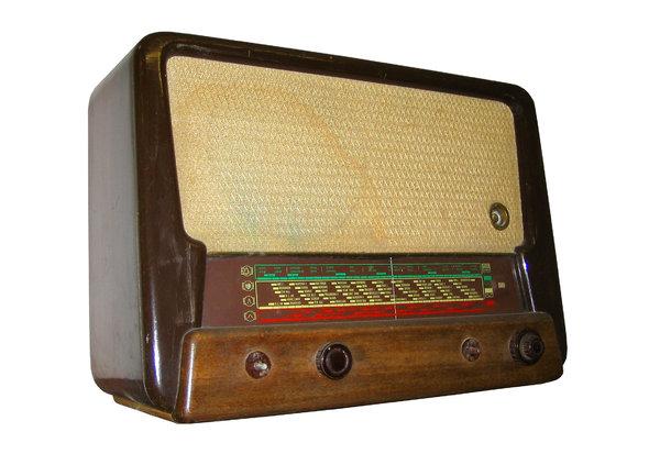10 artefakata ili fenomena kojima biste obelezili 20. vek Radio_zps4a4287c8
