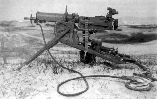 10 artefakata ili fenomena kojima biste obelezili 20. vek Maschinengewehr_zpsf3e1c241