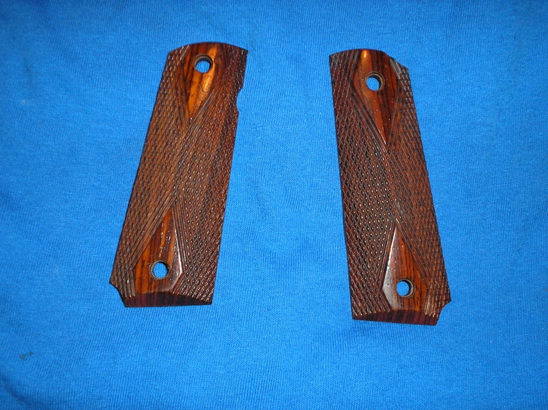 F/S New 1911 Auto Rosewood Diamond Checkered Old Style Grips  P1010013_zpspkj9r93y