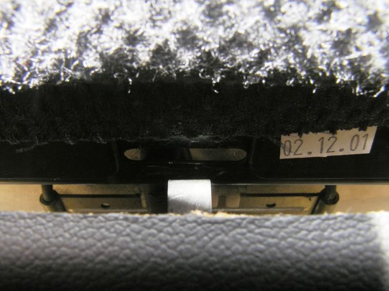 [DIY] Reparar as Costas do Banco ... - Página 2 P4070039