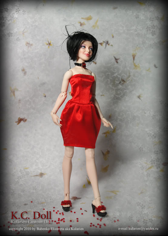 K.C.Doll - petite poupée avec un chiffre adultes - Page 2 Red_stand4